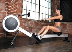 concept-2-rowing-machine-woman